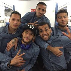 Neymar and friends from FCB: Brazukas Adriano Dani Alves Douglas Rafinha Alcantara Soccer Guys, Football Players, Neymar Jr, Psg, Barca Team, Fcb Barcelona, Dani Alves, Love You Babe, Instagram Background