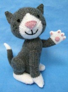 Alan Dart Knitting Pattern: Sox Gray & White Cat - Craft ~ Your ~ Home Knitting For Kids, Knitting Yarn, Knitting Projects, Baby Knitting, Crochet Projects, Crotchet Animals, Knitted Animals, Knitted Cat, Knitted Dolls