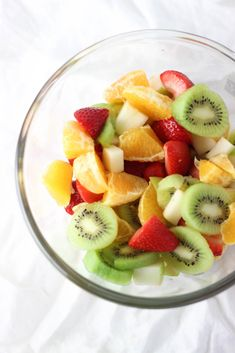 HEALTHY SPRING FRUIT SALAD! Easy and nourishing fruit salad that makes the perfect dessert or sweet snack! Spring Desserts, Spring Recipes, Healthy Fruit Snacks, Healthy Salads, Healthy Eating, Veggie Recipes, Salad Recipes, Snack Recipes, Healthy Recipes