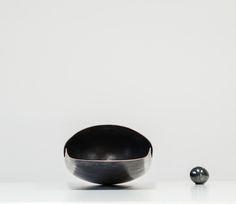darth vader zerunianandweisz. copper handmade edition rauminhalt @stefan zeisler Darth Vader, Decorative Bowls, Copper, Tableware, Handmade, Home Decor, Dinnerware, Hand Made, Decoration Home