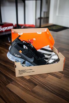OFF WHITE x Nike VaporMax Black Brown Sneakers, Sneakers Nike, Sneakers Fashion, Fashion Shoes, Milan Fashion, Fashion Models, Runway Fashion, Nike Air Vapormax, Running Shoes Nike