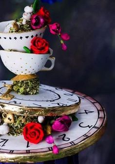 80 Whimsy Alice In Wonderland Wedding Ideas 80 Whimsy Alice In Wonderland Wedding Ideas Looking for a whimsy and kinda crazy ? Alice in Wonderland is a great book full of one of a k Alice In Wonderland Tea Party Birthday, Alice Tea Party, Alice In Wonderland Theme, Wonderland Party, Alice In Wonderland Decorations, Alice In Wonderland Aesthetic, Alice In Wonderland Pictures, Mad Tea Parties, Mad Hatter Party