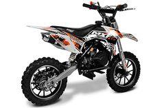 Leve e fácil de pilotar, a minimoto MXF de 49 cc pode sim ser usada por crianças de 4 a 7 anos.
