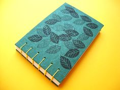 Cuaderno tamaño A6 realizado con encuadernación copta / Coptic bindind A6 notebook
