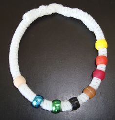 Make a Thanksgiving Bracelet with the kids and teach them the story of that first special feast (@ Dr. Jean)