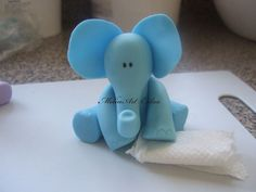 Elephant cake topper tutorial - by Melinartcakes @ CakesDecor.com - cake decorating website