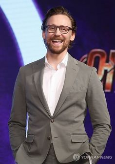 #TomHiddleston attends the press conference for '#Avengers: #InfinityWar' Seoul premiere on April 12, 2018 in Seoul, South Korea. Via lolawashere.tumblr (http://maryxglz.tumblr.com/post/172854333587/gitsie007-tom-hiddleston-benedict-cumberbatch ) #Loki