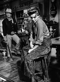 John Wayne, Ricky Nelson y Angie Dickinson - (Rio Bravo) - 1959