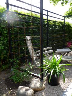 Billedresultat for spalje inspiration Garden Privacy, Garden Gates, Outdoor Spaces, Outdoor Living, Outdoor Decor, Pergola Patio, Backyard, Porch Swing, Trellis