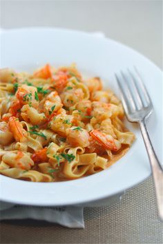 Prawn Pasta with Bisque Sauce. Prawn pasta with a bisque sauce - be prepared to meet your new favorite pasta dish! Shrimp Recipes Easy, Fish Recipes, Seafood Recipes, Pasta Recipes, Cooking Recipes, Healthy Recipes, Meat Recipes, Healthy Meals, Healthy Food