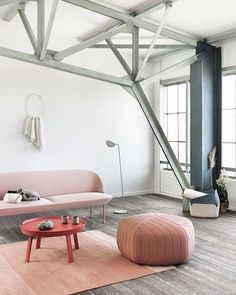 In Pantone announced that there would be two colors of the year: Rose Quartz and Serenity. Take a look at our favorite rooms in Pantone 2016 colors Home Design Decor, House Design, Home Decor, Interior Architecture, Interior And Exterior, Grey Hardwood Floors, Deco Rose, Muuto, Piece A Vivre