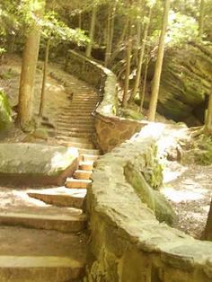 Hocking Hills State Park has six State parks along with many beautiful hiking trails. The Places Youll Go, Cool Places To Visit, Places To Travel, Vacation Trips, Vacation Spots, Vacations, Lancaster Ohio, Abandoned Places, Abandoned Castles