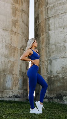 A dreamy reality. With a high waist fit, concealed pocket along the waistband, and beautifully soft material blend, the Women's Dreamy Leggings are ready to give you an irritation-free workout.