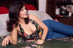Lynda Carter - 1976