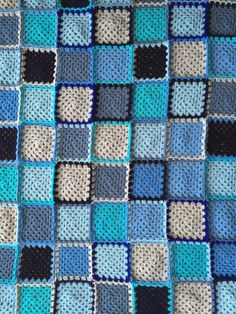 Solid-color Granny Squares blanket.  For the border, I usedBorder 138from Around the Corner Crochet Borders book.