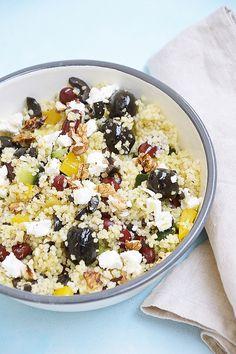 Sałatka z kuskusem, czerwoną fasolą i papryką Healthy Nutrition, Dinner Tonight, Gravy, Acai Bowl, Salads, Food And Drink, Lunch, Breakfast, Dressing