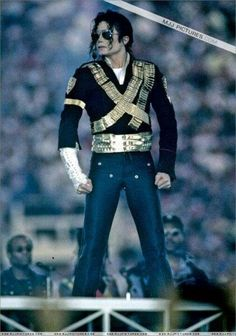 Michael Jackson--one of my favorite pictures of him :)-KW