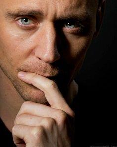 Tom Hiddleston Daily: Photo