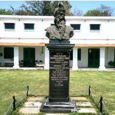 Maharaja Ranjit Singh Statue, Jat ruler, Sandhawalia Jat, Jat warrior Khushwant Singh, Maharaja Ranjit Singh, Harmandir Sahib, Comparative Politics, Facts You Didnt Know, University Of Virginia, Political Science, Ruler