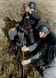 German soldiers with a Granatwerfer standard mortar of the German army. — This page is not political — If you like this page share it…