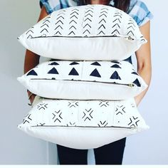 O B S E S S E D // I just came across the talented and wondering why I don't own everything in her shop already? Blue Bedding, Blue Bedroom, Comin Home, Decor Home Living Room, Diy Pillows, Cushions, Sweet Home Alabama, Idee Diy, Farmhouse Chic