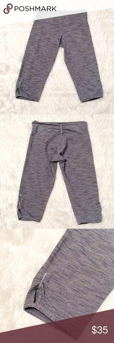 Lululemon Cotton Capris Very comfortable, gently used. No piling. ✅Bundle & Save 🚫Sorry no trading 👍Fast Shipper 💕Happy Poshing lululemon athletica Pants Leggings