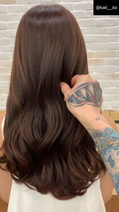 Long Wavy Ash-Brown Balayage - 20 Light Brown Hair Color Ideas for Your New Look - The Trending Hairstyle Medium Ash Brown Hair, Natural Brown Hair, Light Brown Hair, Brown Hair Color Shades, Brown Hair Colors, Blonde Shades, Caramel Brown Hair Color, Brown Hair Balayage, Brown Hair With Highlights