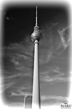 Berliner Fernsehturm in Ost-Berlin, am Alexanderplatz. (Photo: Copyright @ MaBu Photography)