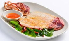Grilled meats and seafood are very popular in Vietnam. Marinated Grilled Squid (Muc Nuong) uses a flexible Marinade, which also works well with many other types of seafood or poultry prior to grilling. Vietnamese Pork, Vietnamese Cuisine, Vietnamese Recipes, Asian Recipes, Grilled Squid, Grilled Meat, Squid Dishes, Food Dishes, Seafood Recipes