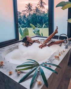 This Is What Paradise Looks Like 😍😍 Here with who? Dreams Do Come True, Relaxation Techniques, Romantic Things, Paradise Island, Bathing Beauties, Shades Of Blue, How To Stay Healthy, Simple, Bali