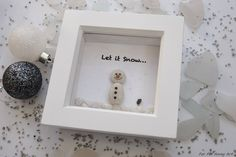 'Snowman and Bird'. Pebble Art by Rebecca Kate. Far Far Away Art, Etsy. Loved making this little festive snowman standing in the glittering snow!