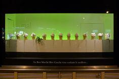 Le Journal des Vitrines — les plus belles vitrines des plus beaux magasins, par Stéphanie Moisan Vitrine Led, Store Fronts, Deco, Windows, Journal, Window Shopping, Distance, Composition, Packaging