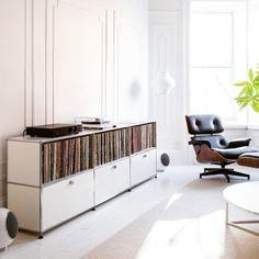 Beautiful room with USM Haller vinyl storage.