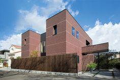 桜並木に建つ、小さな美術館のような佇まい。|モダン|セラミックタイル|黒い焼杉|最高級外装建材|注文住宅|モデルハウス|新築|