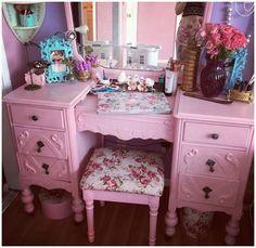 Kelly eden  vintage pink dressing table ♡♡♡