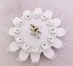 Table Sizes & Seating Calculator: Does a inch Round Table Seat 8 or - Reventals Event Rentals Simple Table Decorations, Birthday Table Decorations, Baby Shower Table Decorations, Reception Table Decorations, Elegant Centerpieces, 60 Inch Round Table, Round Table Sizes, Rectangle Table, Round Wedding Tables
