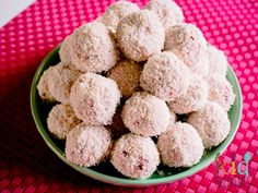 4 ingredients strawberry cheesecake bliss balls, perfect in the lunch box - get the kids involved to make this freezer friendly recipe.