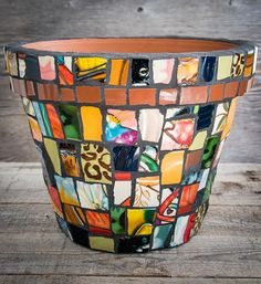 Mosaic Planters, Mosaic Garden Art, Mosaic Flower Pots, Mosaic Tiles, Planter Pots, Mosaics, Mosaic Art Projects, Mosaic Crafts, Sea Glass Mosaic