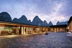 Casa Yun é um eco-resort boutique situado num povoado ao noroeste de Yangshuo, junto à impressionante paisagem do rio Li. O lugar é composto por nove...