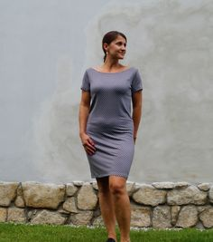 Šaty v šedém puntíku.   Zboží prodejce Silva -D 8e421ed7ec