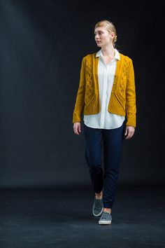 Image of Geiger by Norah Gaughan. Shown in Arbor DK yarn, color way Klimt, by Brooklyn Tweed Cardigan Pattern, Knit Cardigan, Crochet Patron, Brooklyn Tweed, Knit Jacket, Pullover, Knitwear, Sweaters For Women, Couture