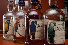 Foursquare Distillery distilla Rum di alta qualità alle Barbados. Fra i più conosciuti i Doorly's e la riserva di famiglia Seale's 10 anni