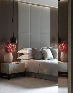 headboard to the ceiling. Helen Green - Contemporary Apartment, One Hyde Park