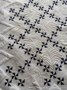 INTERESTING IRISH CHAIN QUILT USING WINDMILL PATTERN FOR THE CHAIN.........PC Machine Quilting Patterns, Quilt Block Patterns, Longarm Quilting, Free Motion Quilting, Quilting Projects, Quilting Ideas, Patchwork Quilt, Bargello Quilts, Sampler Quilts
