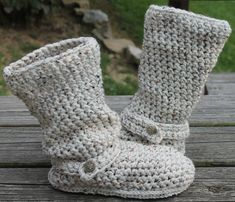 Crochet Boots Pattern---------OATMEAL-----Slouchy Mid Calf Boots for the Street-----Boho Style. $5.00, via Etsy.
