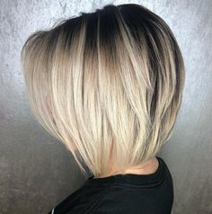 Blonde Layered Collarbone Bob