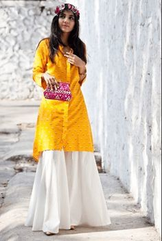 Palazzo pants are typically worn with western outfits. But here we have different ways to style palazzo pants with Indian outfits. Patiala Salwar, Anarkali, Lehenga, Sharara, Indian Attire, Indian Ethnic Wear, Pakistani Outfits, Indian Outfits, Ethnic Fashion