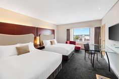 Best Luxury or Discounted Hotels in Auckland, New Zealand book online. Crowne Plaza Auckland Hotel gives you best Hotel accommodation every time. Lounge Club, Lounge Sofa, Superking Bed, Executive Suites, California King Bedding, Best Hotel Deals, Plaza Hotel, Step Inside, King Beds