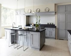 48 Ideas For Kitchen Paint Grey Cupboards Grey Cupboards, Grey Kitchen Cabinets, Kitchen Units, Kitchen Paint, Kitchen Tiles, Kitchen Colors, Kitchen Flooring, New Kitchen, Kitchen Grey