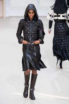 Défilé Chanel automne-hiver 2016-2017 - Le total look cuir.